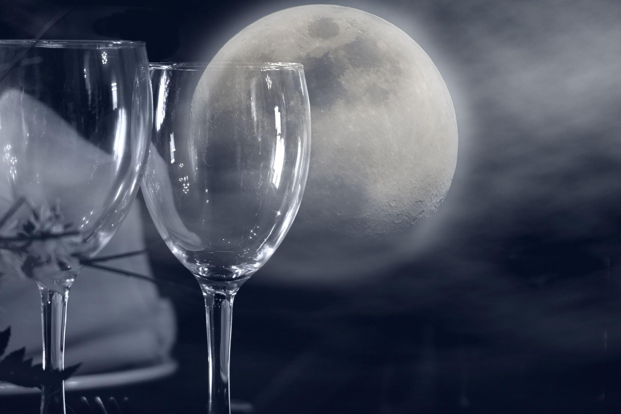Când Luna influenţează gustul vinului. Legenda calendarului biodinamic