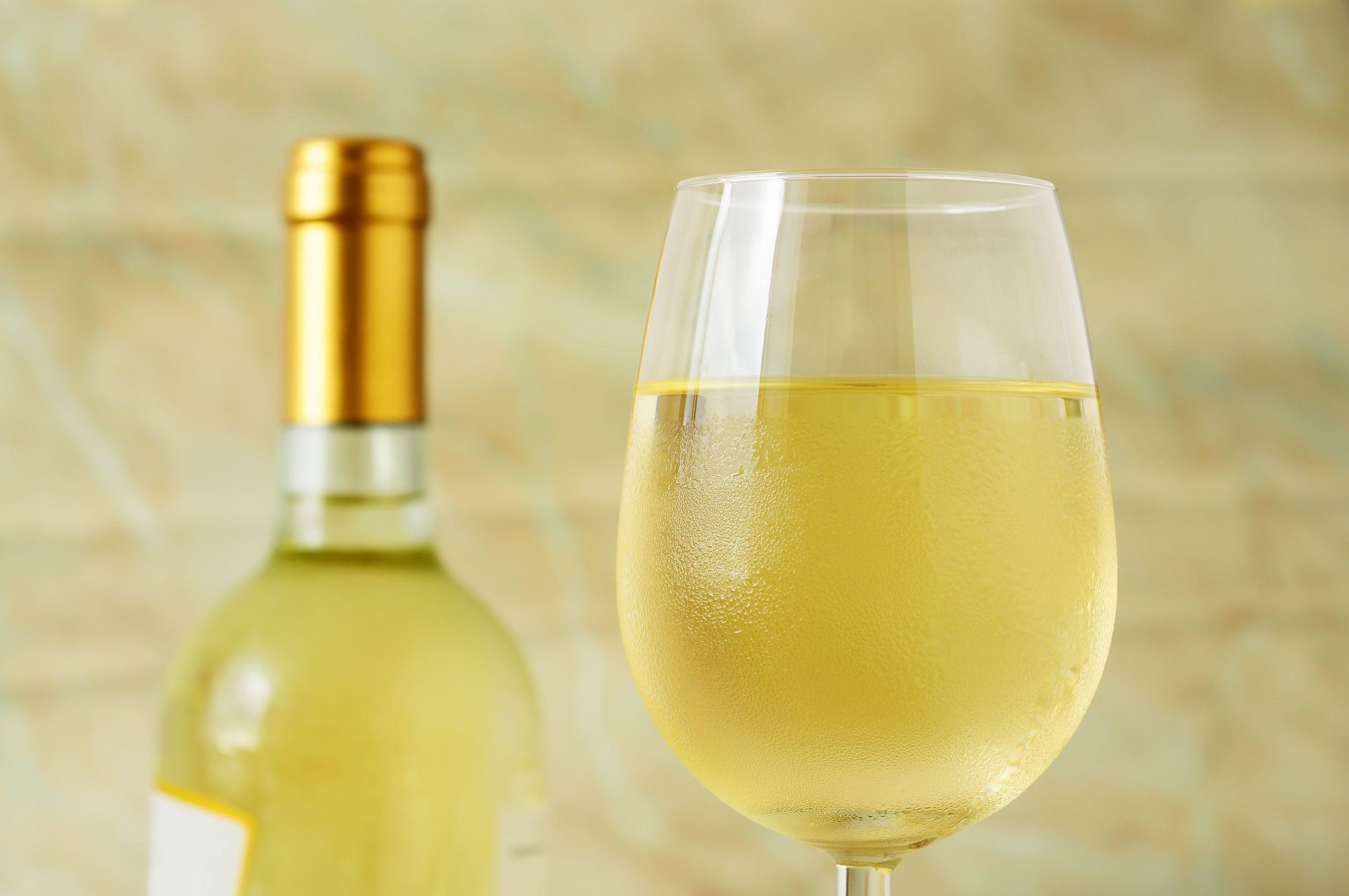 Restaurantul din România care asigură transport gratuit clienţilor ce vor să bea alcool la cină