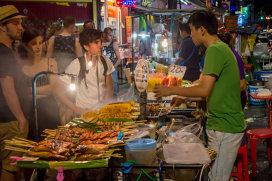 """Capitala """"street food"""" a lumii interzice mâncarea vândută pe stradă"""