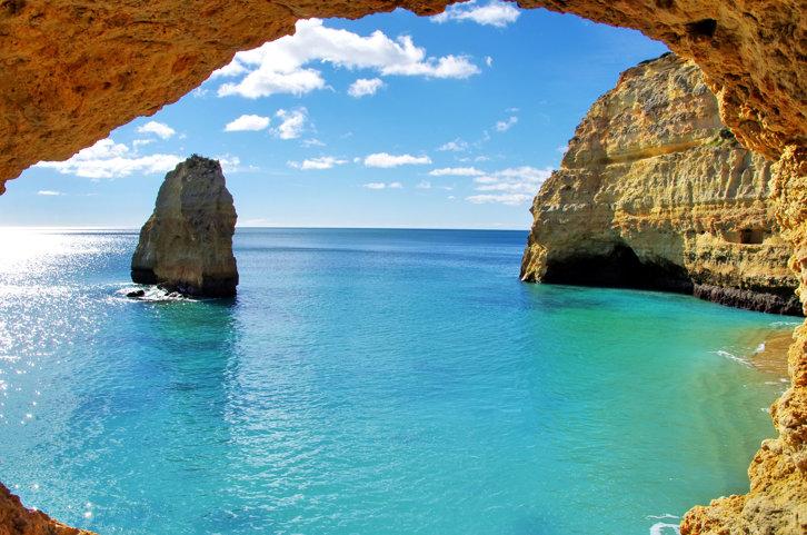 Cele mai accesibile destinaţii turistice cu plajă din Europa. Cât costă o cină sau un prânz - comparator de preţuri