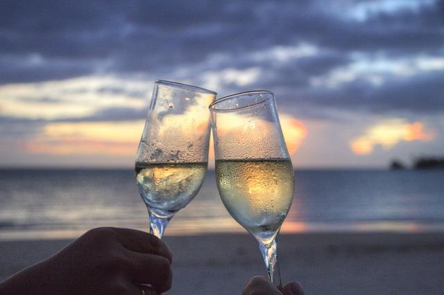Câte calorii are un pahar de vin?