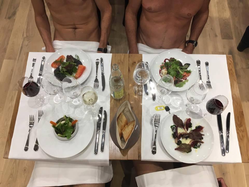 Primul restaurant pentru nudişti s-a deschis la Paris