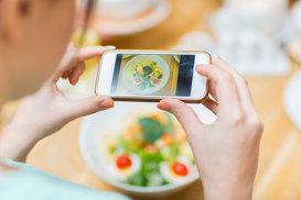 Mâncarea te face mai atrăgător on-line