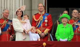 Cum a salvat o cutie de biscuiţi bijuteriile Coroanei Britanice