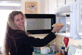 Cât timp este recomandat să foloseşti cuptorul cu microunde