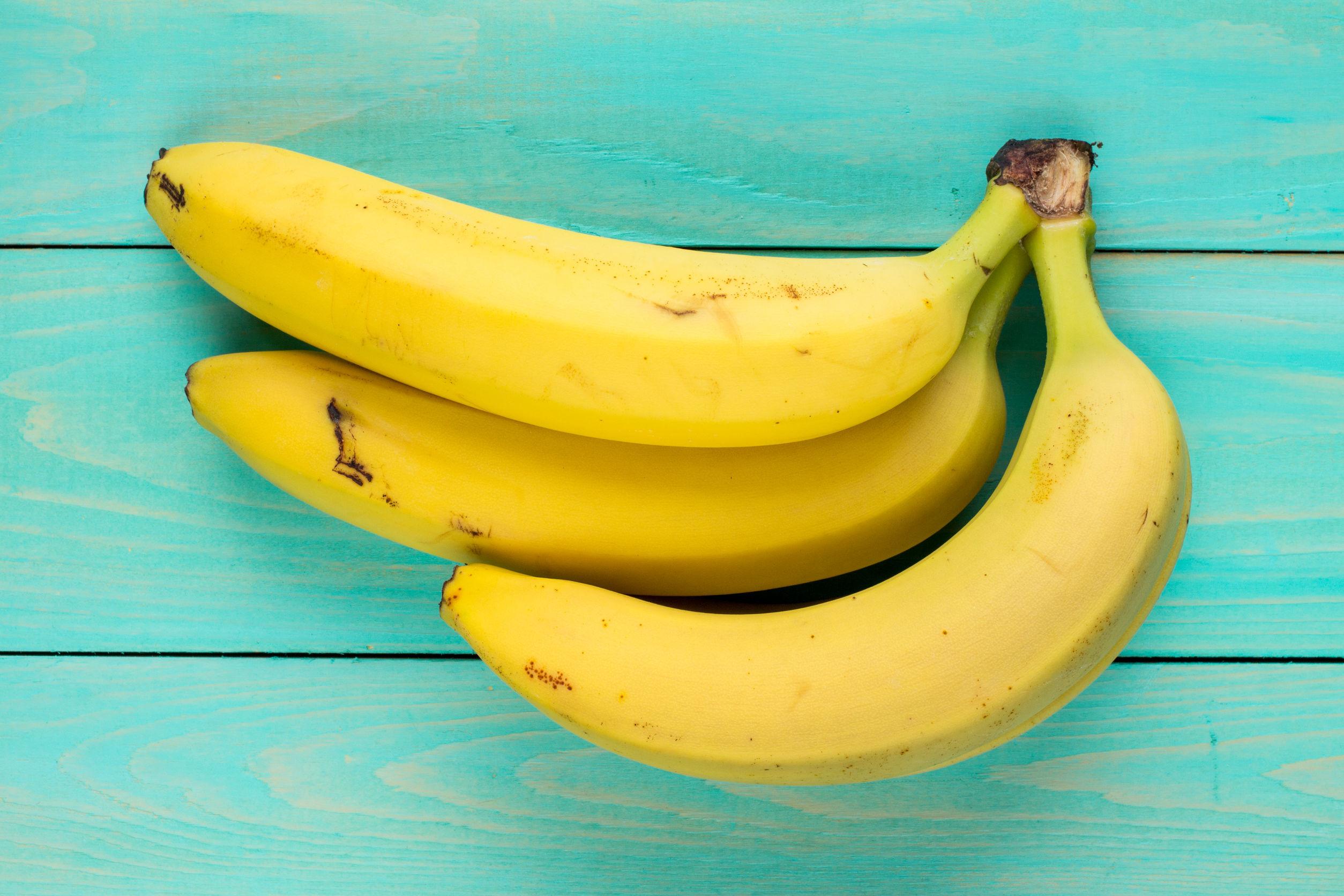 Japonezii au creat banana cu coajă comestibilă