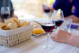 Un pahar de vin roşu pe zi, cheia pentru un creier sănătos
