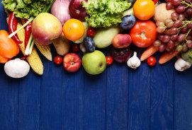 Fructele şi legumele cu cele mai crescute niveluri de pesticide pe suprafaţa cojii. Cum le cureţi corect