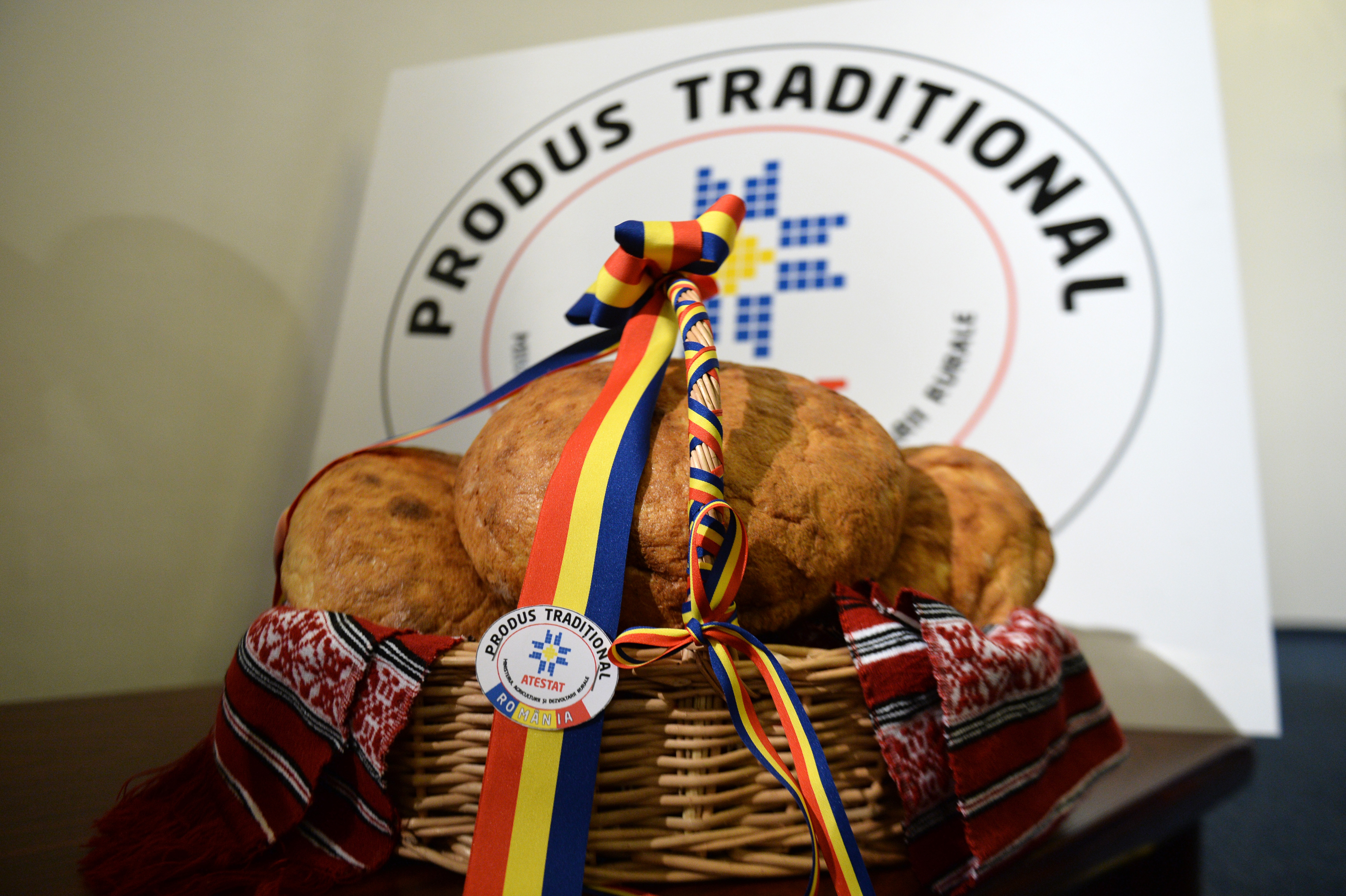 De la tradiţională românească la naan. Cu pâinea în jurul lumii