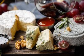 Unde găseşti cea mai bună brânză din lume. Nouă delicii pe care trebuie să le încerci