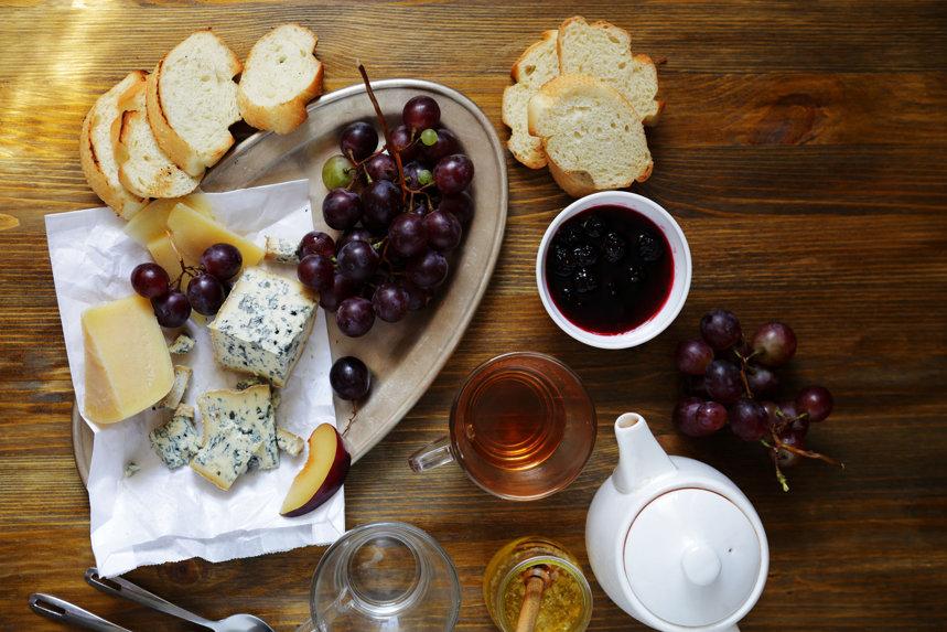 Ceaiul şi brânza, prietenia care eliberează al treilea gust