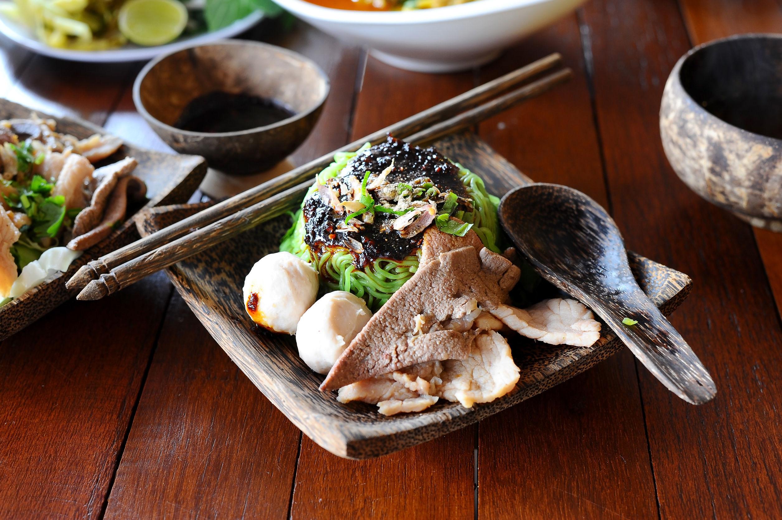 Tot ce ai nevoie pentru a deveni maestru într-ale bucătăriei chinezeşti