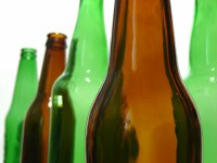 Imaginea articolului Motivul pentru care sticlele de bere au culori diferite