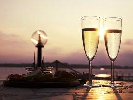 Care este diferenţa dintre şampanie şi prosecco