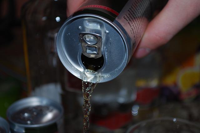 Ce efect au asupra corpului tău ingredientele din băuturile energizante