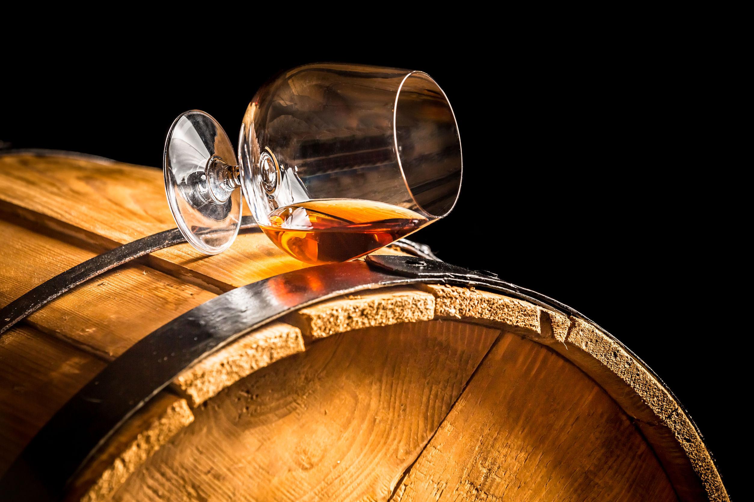 Care este diferenţa dintre Armagnac şi Cognac?