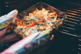 9 lucruri pe care toţi bucătarii de top le fac în bucătărie