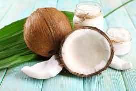 Nuca de cocos: lapte, apă şi smântână. Ştii care sunt diferenţele dintre ele?