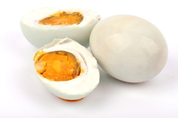 ouă atârnă când sunt erecte