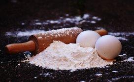 Nu ai toate ingredientele pentru o prăjitură? Iată substitute la îndemână pentru deserturi delicioase!
