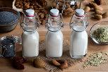 Nu vrei să bei lapte de vacă? Iată 6 alternative vegetale pe care le poţi face chiar acasă!