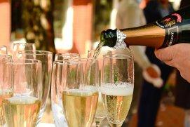 7 motive să bei şampanie mai des