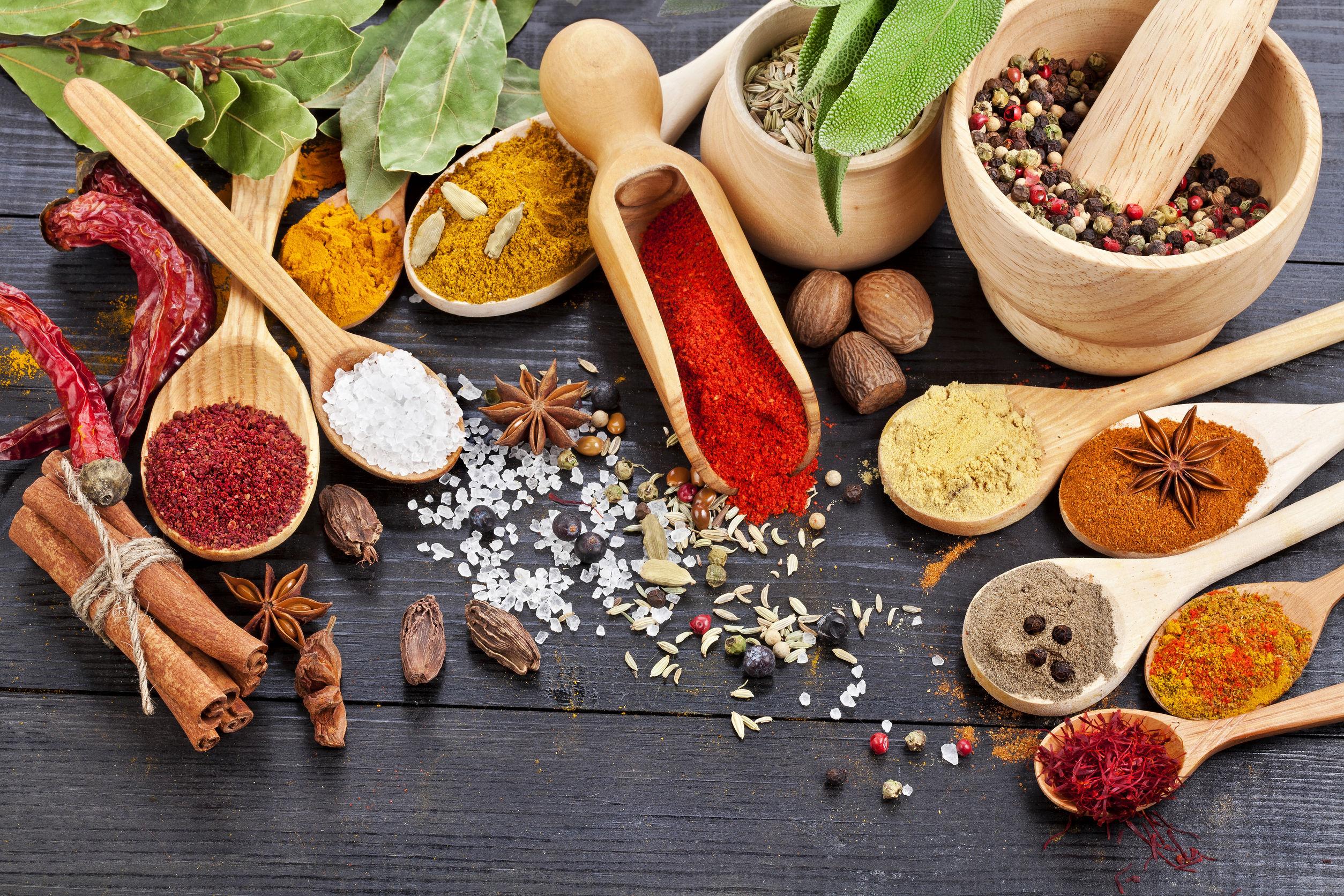 6 condimente pe care trebuie să le foloseşti pentru o sănătate de fier