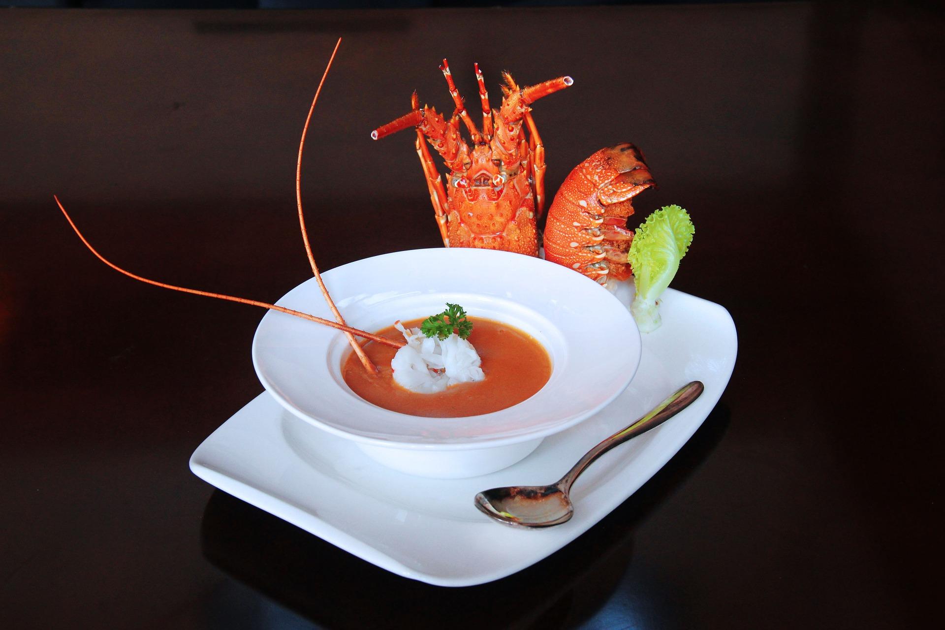 Drumul homarului de la mâncarea săracilor la masa bogaţilor
