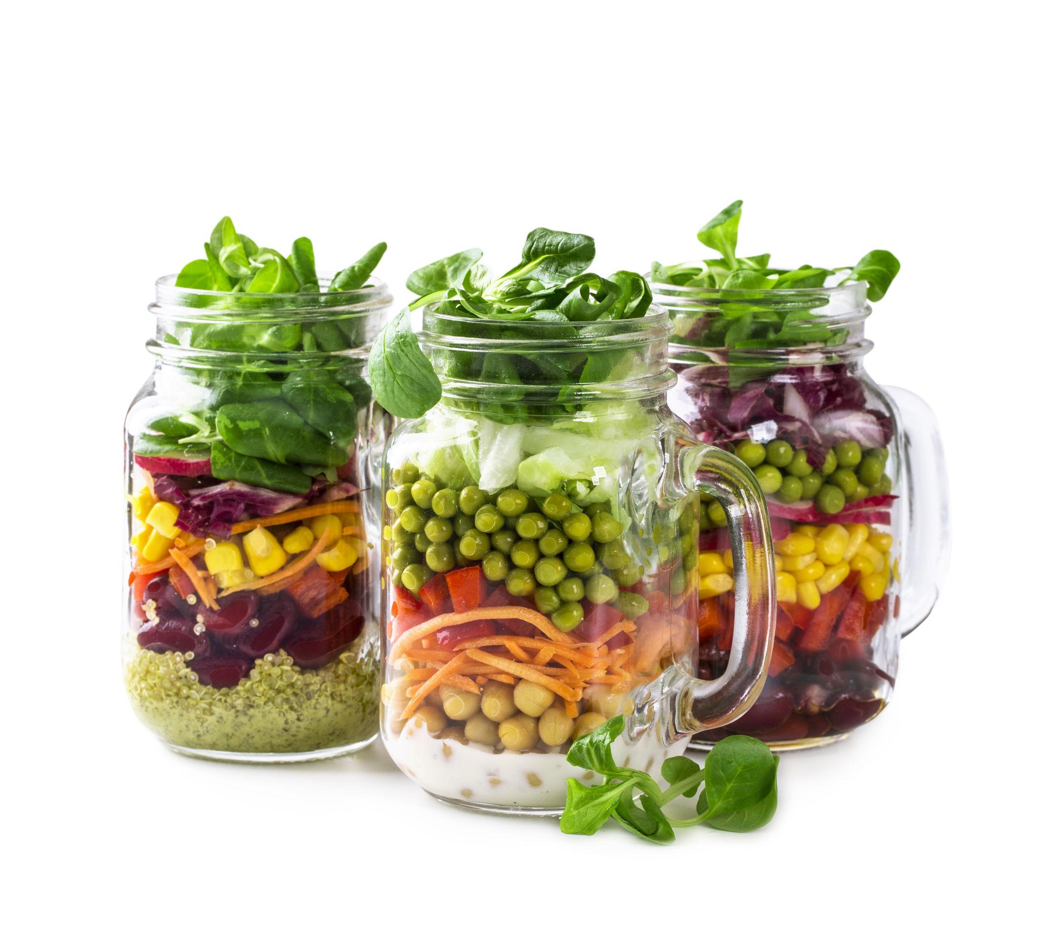 Salata la borcan, noua modă în bucătărie