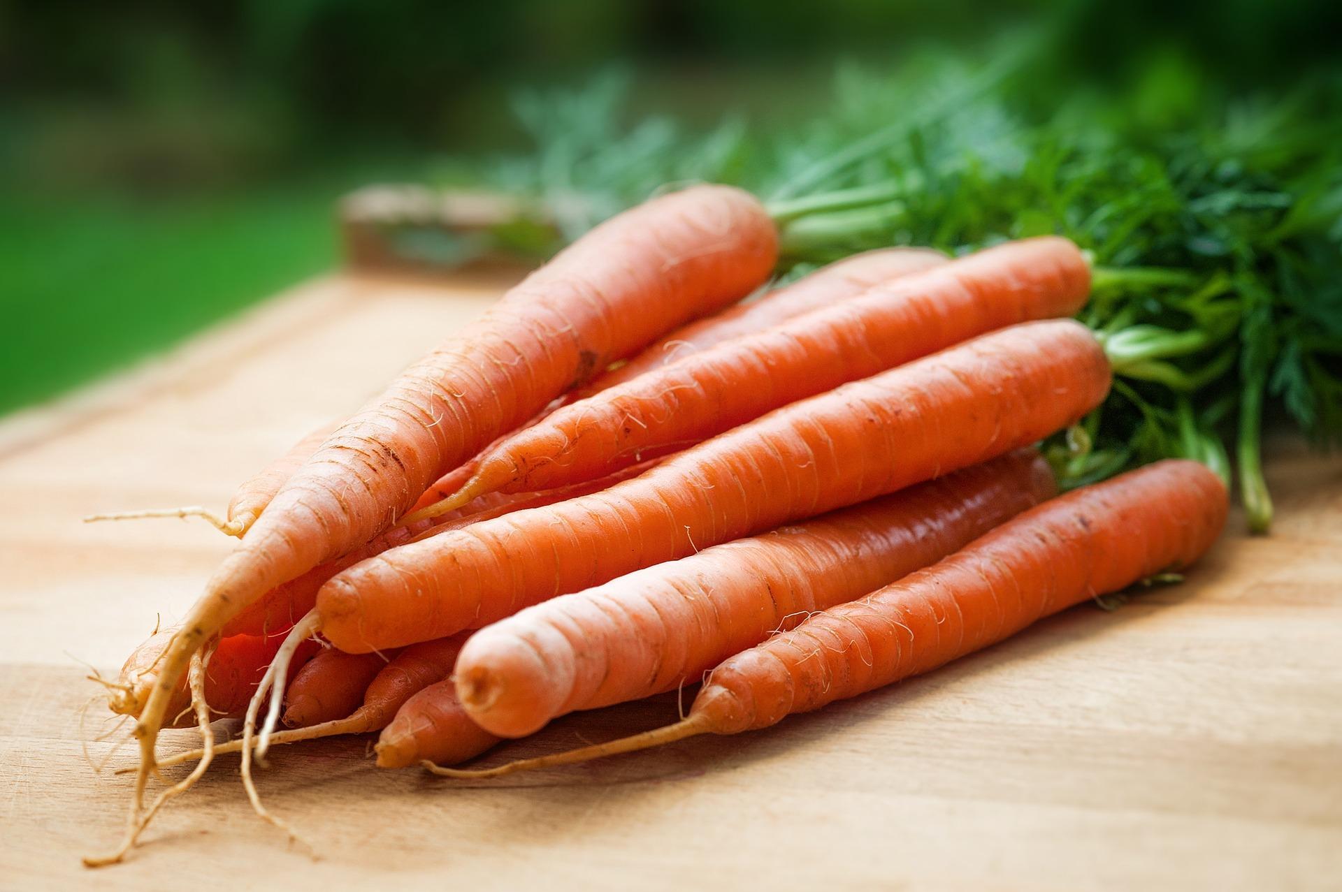 De ce trebuie să mâncaţi morcovi zilnic