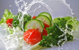 Nu arunca legumele moi din frigier! Le poţi salva foarte simplu!