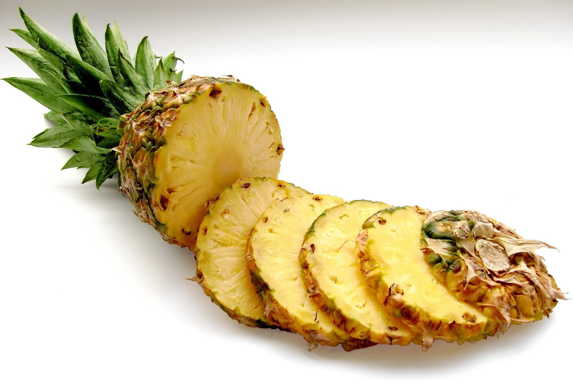Îţi place ananasul proaspăt, dar nu îl poţi mânca din cauza acidităţii sale? Iată câteva soluţii eficiente!