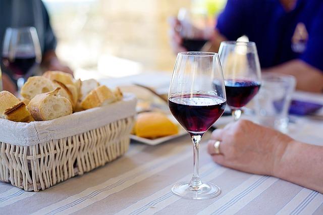 De ce vinul mai scump are un gust mai bun
