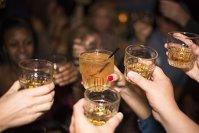 Imaginea articolului Motivul adevărat pentru care trebuie să pui gheaţă în whisky