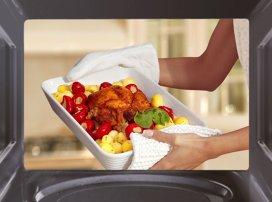 Ce alimente nu trebuie să încălzeşti în cuptorul cu microunde?
