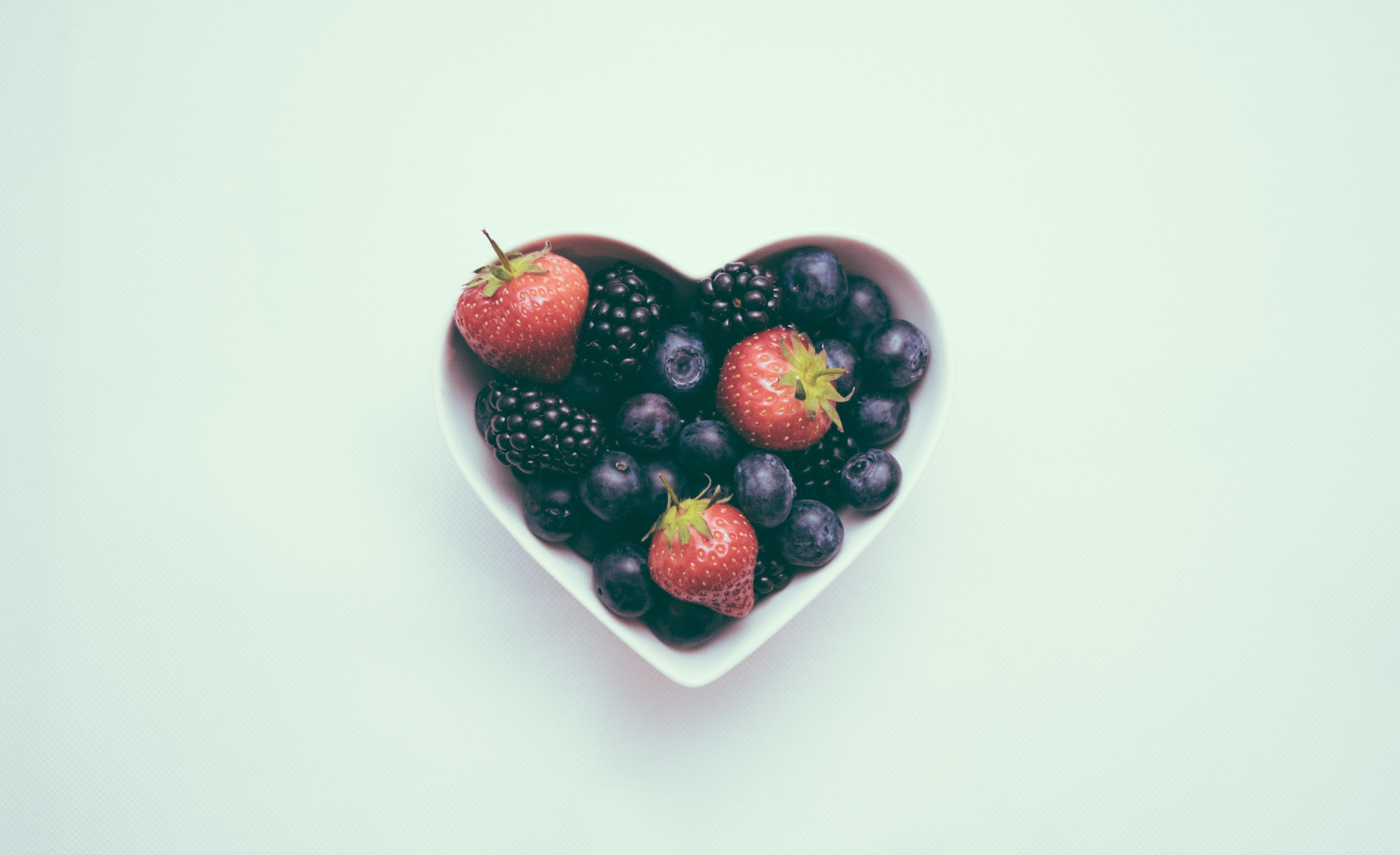 Ce fructe să-i dai copilului ca să fie mai atent? Reţete pentru mic dejun şi gustare