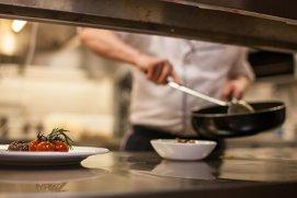 Cum recunoşti un restaurante unde mâncarea vine congelată