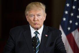 Donald Trump primeşte un desert diferit faţă de oaspeţii săi