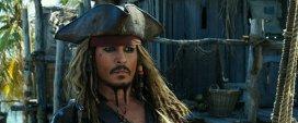 Johnny Depp cheltuia o avere doar pe vin