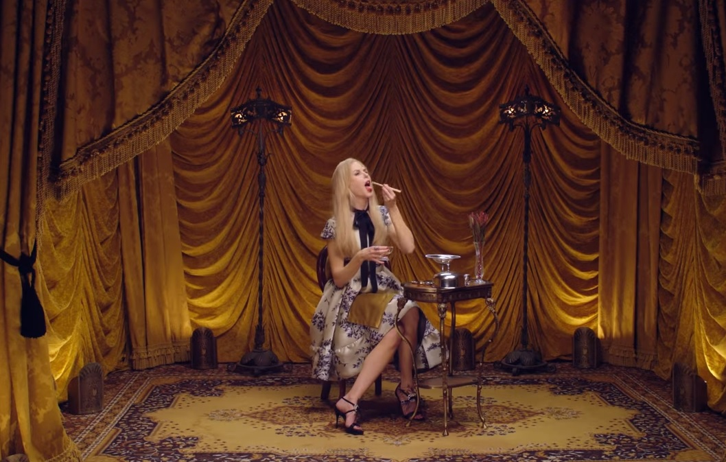 Nicole Kidman mănâncă viermi cu gust fructat (VIDEO)