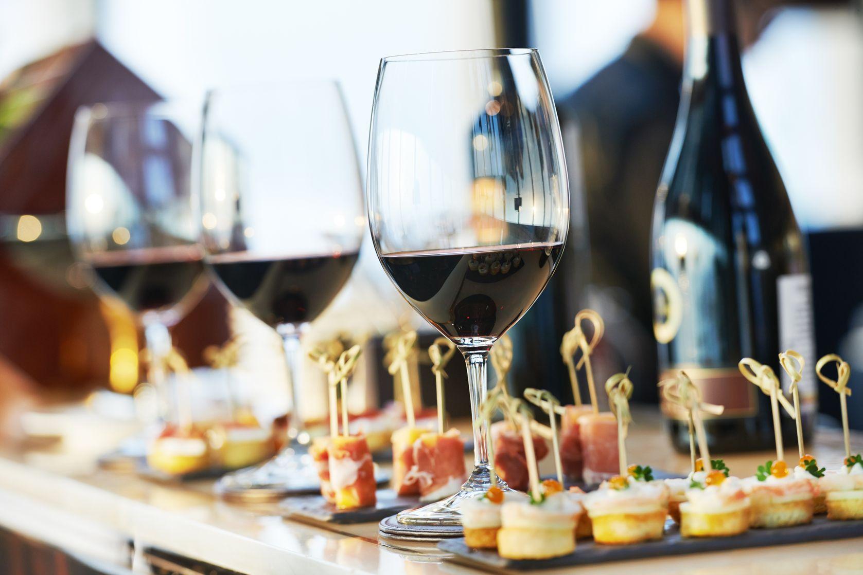 10 motive pentru care e bine să bei vin