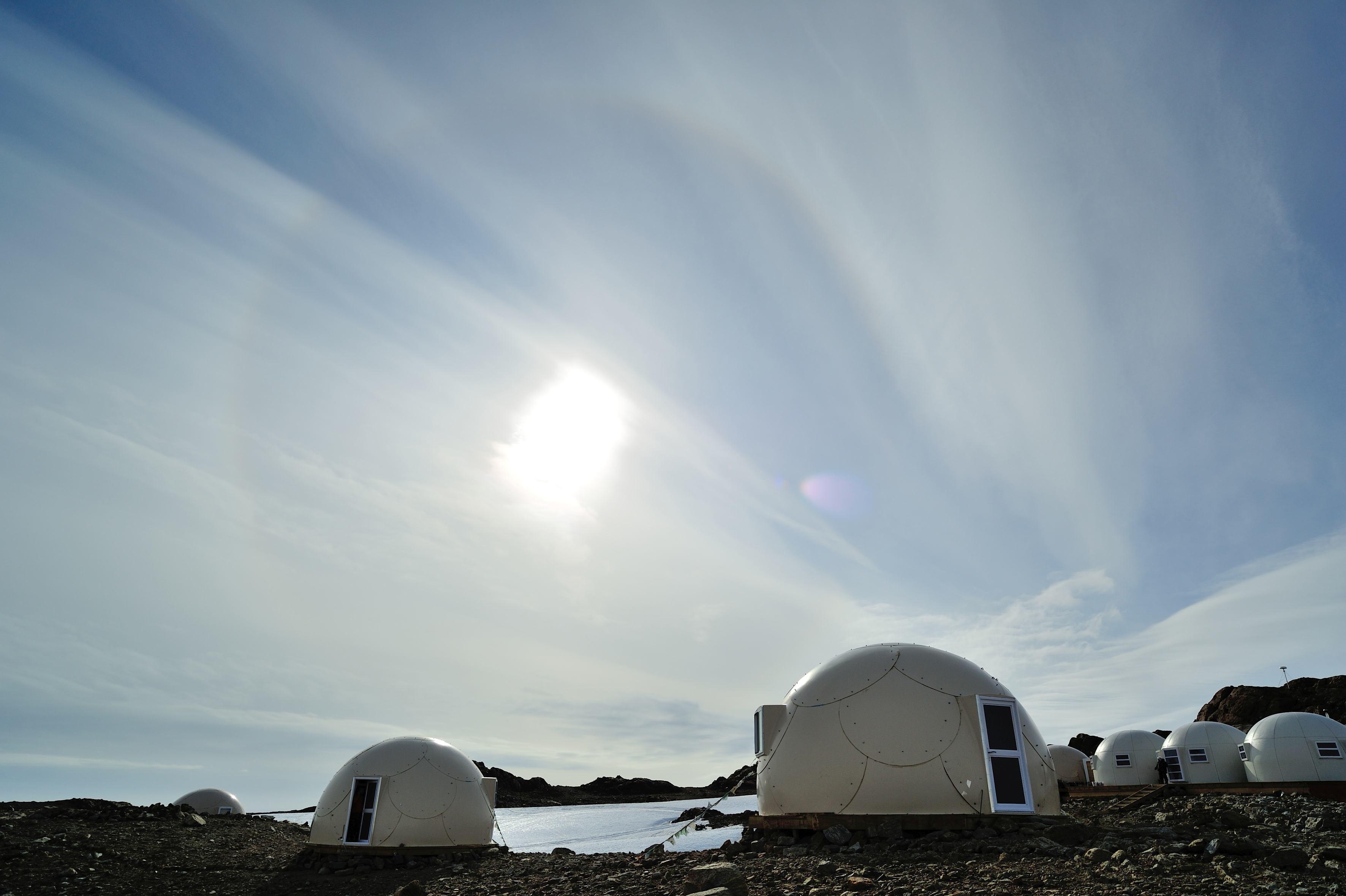 Cel mai izolat şi luxos hotel din lume. Vacanţa la White Desert, pe tărâmul îngheţat al Antarcticii