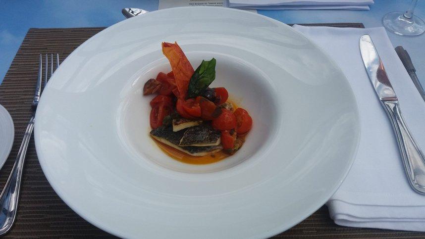 Dinner In The Sky: Gastronomie cu dichis, la peste 50 de metri înălţime deasupra Bucureştiului