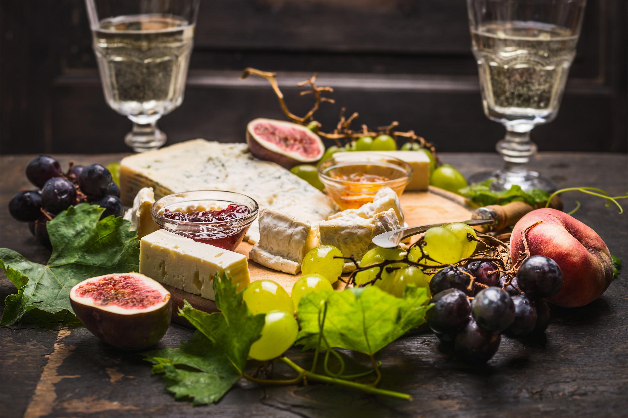 Cum creezi platoul perfect cu brânzeturi