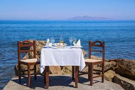 Povestea bucătăriilor Zonelor Albastre şi secretele longevităţii