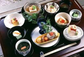 De ce japonezele trăiesc cel mai mult. Secretele uneia dintre cele mai inteligente diete