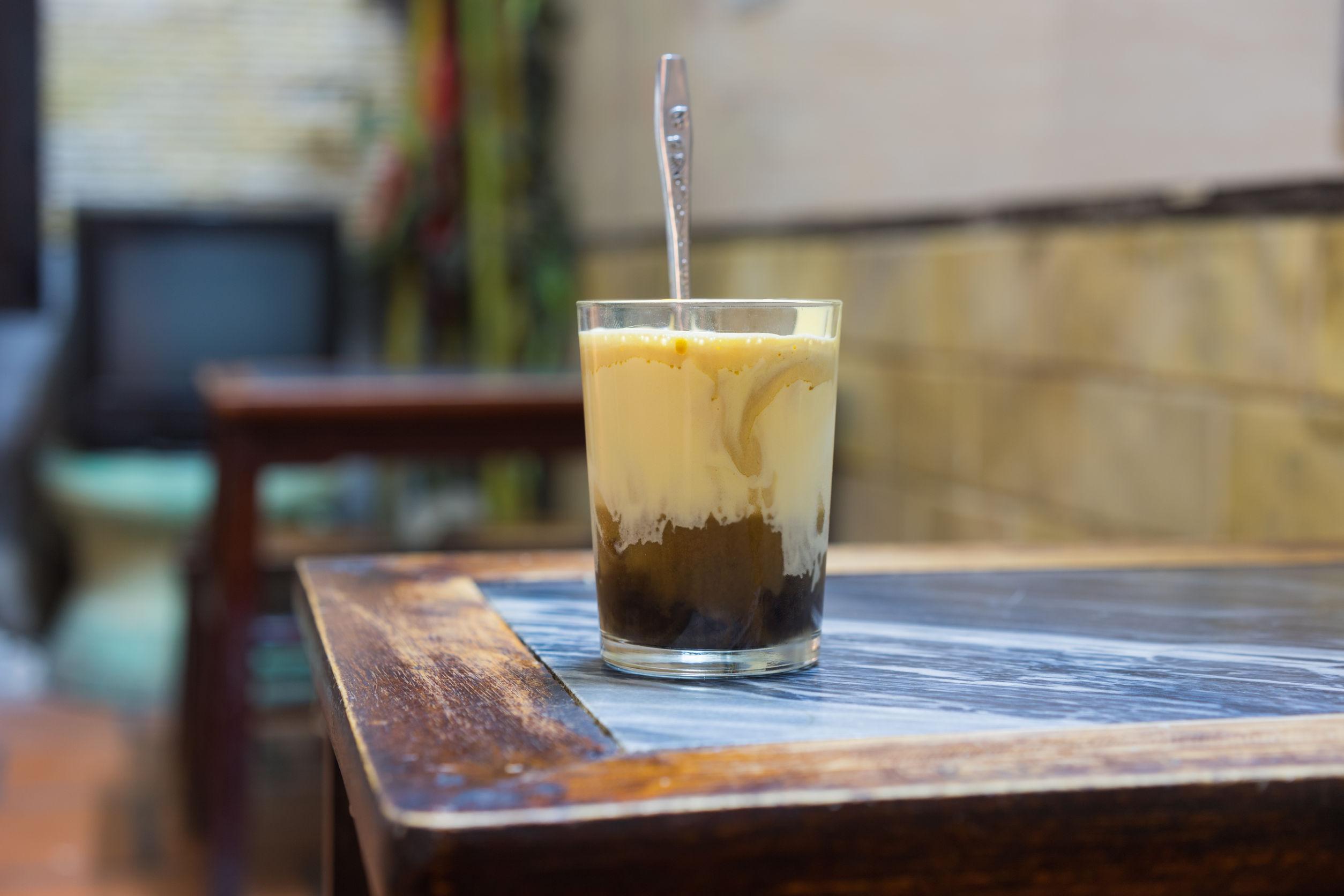 Cafeaua cu ou sau cu ciuperci. Vietnamezii şi finlandezii setează gusturile anului 2017