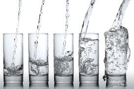 Secretele apei, dezvăluite de unul dintre cei mai renumiţi somelieri de apă din lume
