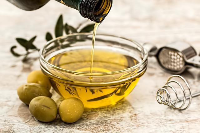 Cum să faci ulei de măsline infuzat