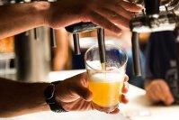 Imaginea articolului Berea la draft, un potenţial pericol pentru sănătate! După sfaturile acestui barman te vei gandi de două ori înainte să comanzi!